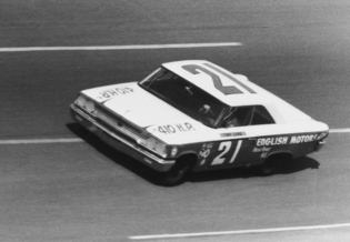 No. 21 car with Tiny Lund behind the wheel in the 1963 Daytona 500. Photo credit: ISC Images and Archives