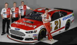 2015 NSCS Wood Bros Racing Team with driver Ryan Blaney